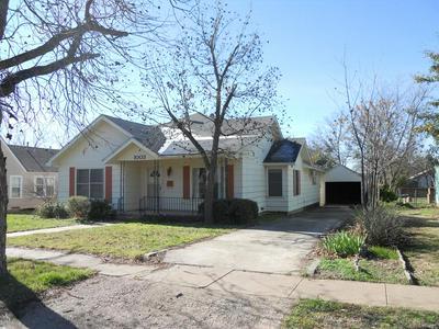 1003 N 8TH ST, BALLINGER, TX 76821 - Photo 1