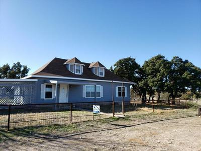 301 W LAKE AVE, Mertzon, TX 76941 - Photo 2