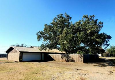 101 GATEWAY RD, Winters, TX 79567 - Photo 2