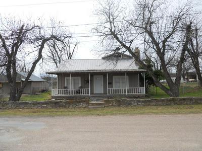 1905 N 8TH ST, BALLINGER, TX 76821 - Photo 1