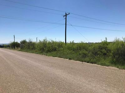 915 E 8TH ST, McCamey, TX 79752 - Photo 2