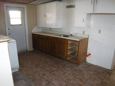 114 S MULBERRY ST, Eldorado, TX 76936 - Photo 2