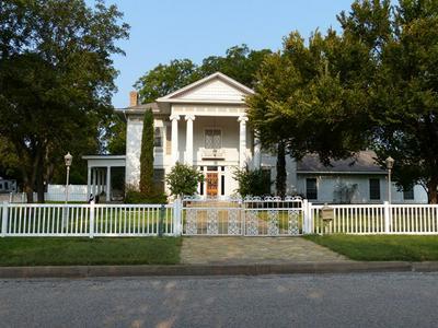 1208 S PINE ST, Brady, TX 76825 - Photo 1