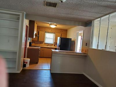2505 W HARRIS AVE, San Angelo, TX 76901 - Photo 2