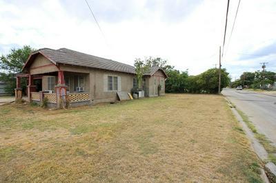 302 AVENUE E, Ozona, TX 76943 - Photo 2