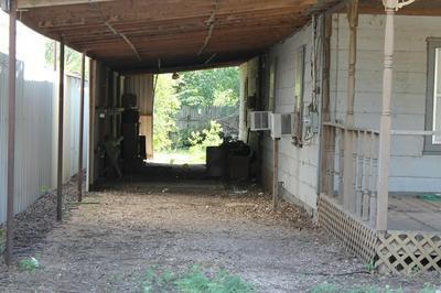 711 W ROBERTS ST, Winters, TX 79567 - Photo 2