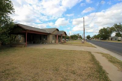 302 AVENUE E, Ozona, TX 76943 - Photo 1