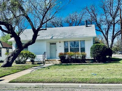 1015 N VAN BUREN ST, SAN ANGELO, TX 76901 - Photo 2
