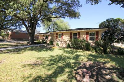 1015 HENDERSON DR, Ozona, TX 76943 - Photo 2
