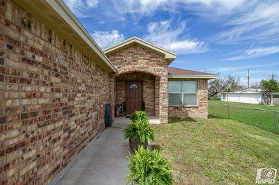 2716 HOUSTON ST, SAN ANGELO, TX 76901 - Photo 2