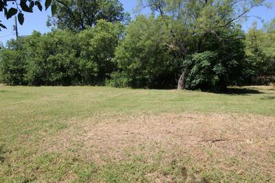 728 17TH ST, San Angelo, TX 76901 - Photo 2