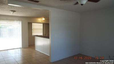 8207 GLEN POST, San Antonio, TX 78239 - Photo 2