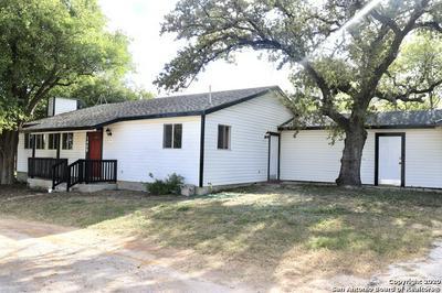 1409 9TH ST, Floresville, TX 78114 - Photo 2