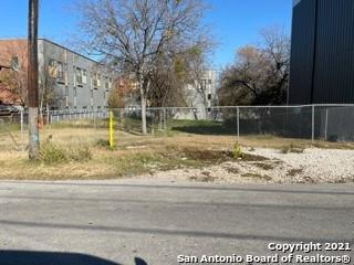 811 E PARK AVE, San Antonio, TX 78212 - Photo 1
