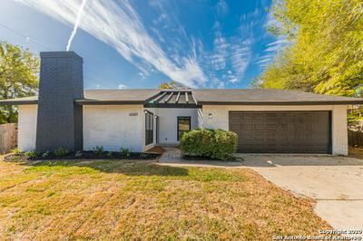13507 BRINWOOD, Universal City, TX 78148 - Photo 2