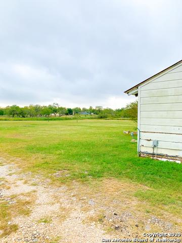 442 EAST TRL, Pleasanton, TX 78064 - Photo 2