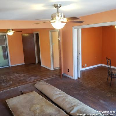 1610 W HILDEBRAND AVE, San Antonio, TX 78201 - Photo 1
