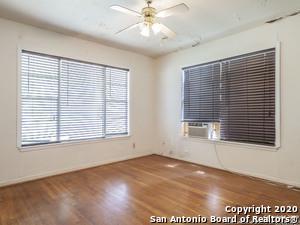 181 RIVERDALE DR, San Antonio, TX 78228 - Photo 2