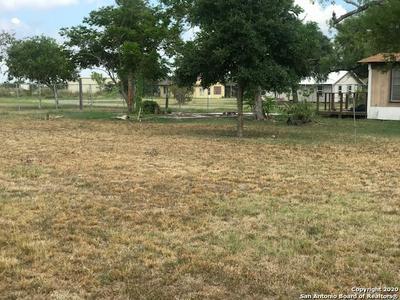 400 DAVIS ST, Woodsboro, TX 78393 - Photo 2