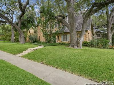 134 W ELSMERE PL, San Antonio, TX 78212 - Photo 2