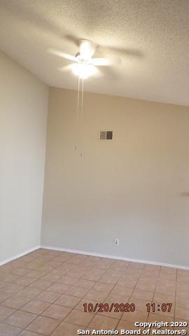 5812 LIBERTY BELL ST, San Antonio, TX 78233 - Photo 2