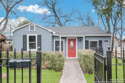 1818 W RIDGEWOOD CT, San Antonio, TX 78201 - Photo 1