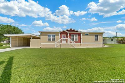 915 TONKAWA CIR, NEW BRAUNFELS, TX 78130 - Photo 2