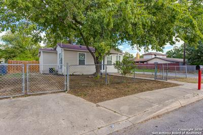 622 S SAN IGNACIO AVE, San Antonio, TX 78237 - Photo 2