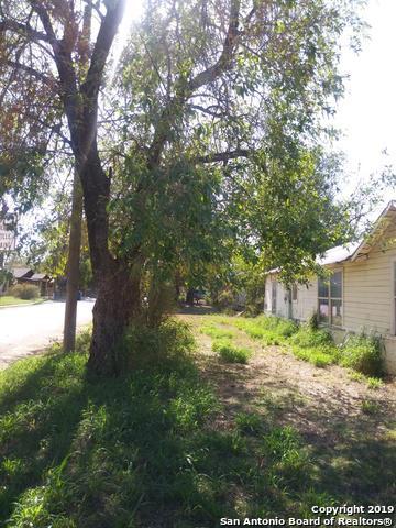 1204 W COLORADO ST, PEARSALL, TX 78061 - Photo 2
