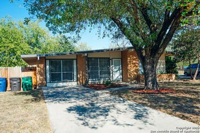 330 LADDIE PL, San Antonio, TX 78201 - Photo 1