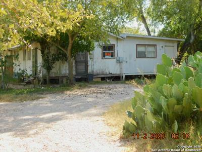 529 AVENUE D, Poteet, TX 78065 - Photo 2