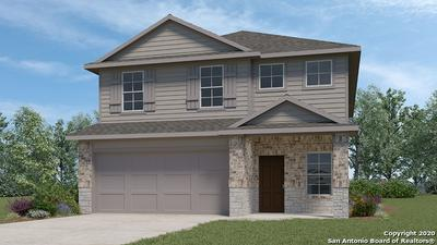 205 MIDDLE GREEN LOOP, Floresville, TX 78114 - Photo 2