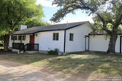 1409 9TH ST, Floresville, TX 78114 - Photo 1