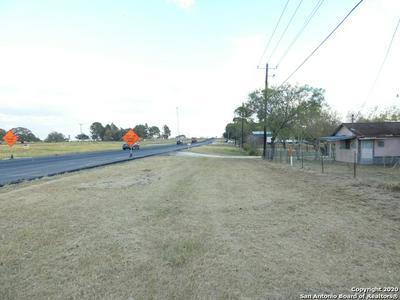 5439 US HIGHWAY 181 N, Floresville, TX 78114 - Photo 2