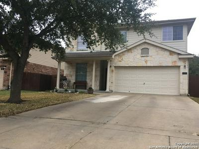537 FOXFORD RUN DR, Schertz, TX 78108 - Photo 2