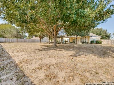 1633 EMBASSY RD, Pleasanton, TX 78064 - Photo 2