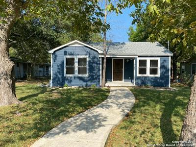 1270 W COLL ST, New Braunfels, TX 78130 - Photo 2