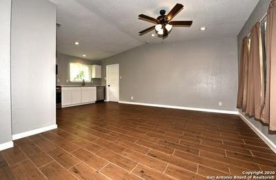 422 W AVIATION BLVD, Universal City, TX 78148 - Photo 2