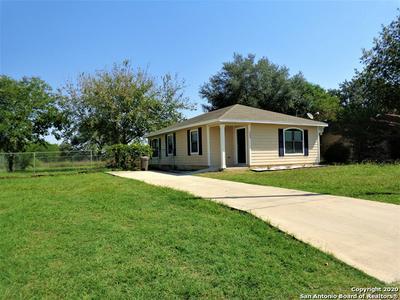 333 WILDROSE DR, Floresville, TX 78114 - Photo 2