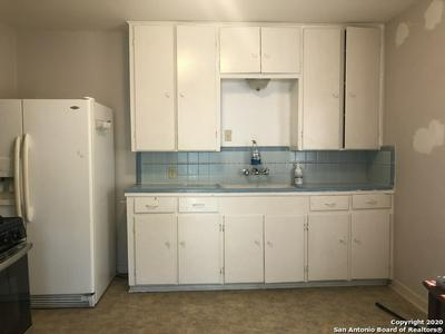 937 DONALDSON AVE, San Antonio, TX 78228 - Photo 2