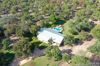 905 EAGLE CREEK DR, Floresville, TX 78114 - Photo 1