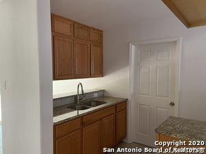 306 PLAINVIEW DR, San Antonio, TX 78228 - Photo 2