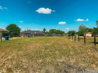 1321 LONGHORN DR, Floresville, TX 78114 - Photo 1