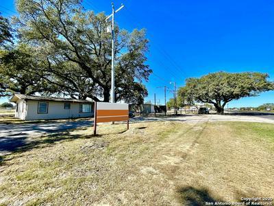 6591 US HIGHWAY 181 N, Floresville, TX 78114 - Photo 2