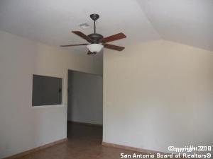 701 DALLAS ST, PLEASANTON, TX 78064 - Photo 2