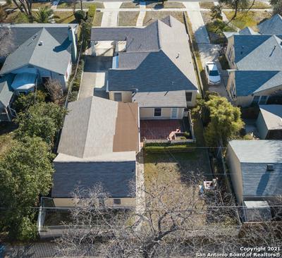 2139 W SUMMIT AVE, San Antonio, TX 78201 - Photo 2