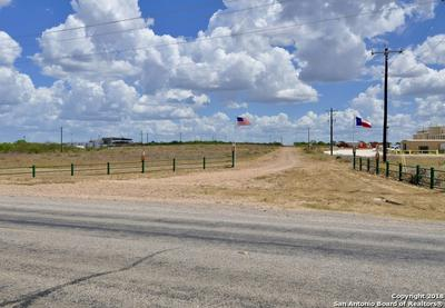5 CHAMPIONS BLVD, Cotulla, TX 78014 - Photo 2