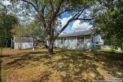 715 JEFFERSON AVE, Seguin, TX 78155 - Photo 1