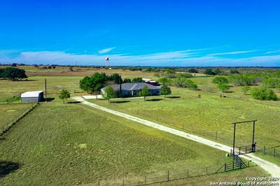 417 HIDDEN RANCH LN, Floresville, TX 78114 - Photo 1