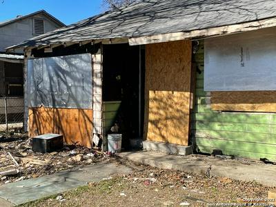 1517 MARDELL ST, San Antonio, TX 78201 - Photo 2